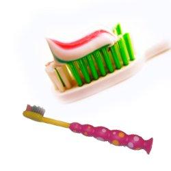Какой должна быть детская зубная щетка?