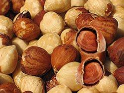 При болях в желудке - ореховая настойка