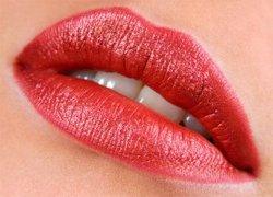 Красивые губы привлекают внимание
