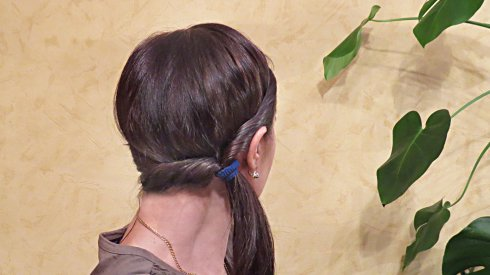 Валики от лица и хвост, прическа в греческом стиле