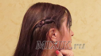 Убираем волосы от лица при помощи узлов